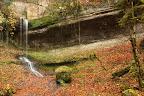UN TOIT ET DE L'EAU AU ROBINET?En automne au pied de la cascade de Pissevieille (vallée de la Bienne)