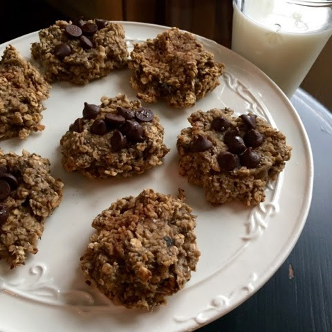 The 2 Ingredient Oatmeal Banana Cookie! (17 Day Friendly)