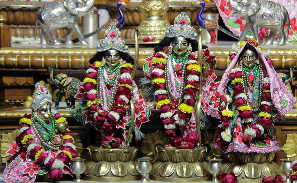 ISKCON Delhi Deity Darshan 06 Jan 2016 (2)