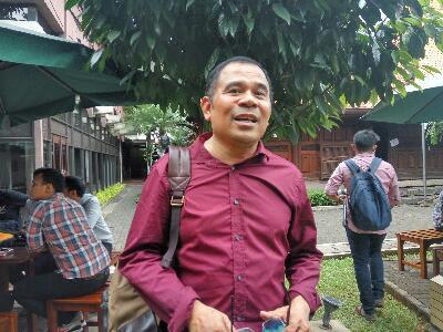 Sejenak dengan Garin Nugroho: Sineas Petualang yang Bicara Pasar Tradisional