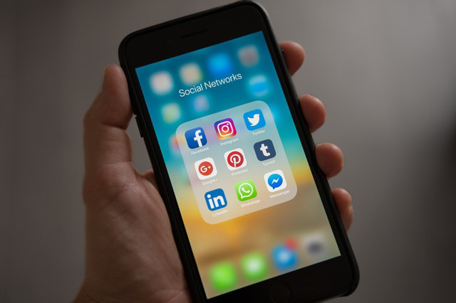 Social media icons and apps