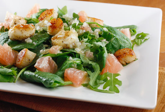 Seared Scallops, Grapefruit, Arugula and Spinach Salad with Champagne Vinaigrette