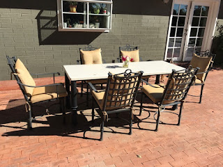 Best One foot table with chiars Re Patio furniture for Sale