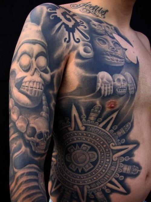 nica_arte_asteca_desenhos_de_tatuagem_no_peito_e_braços