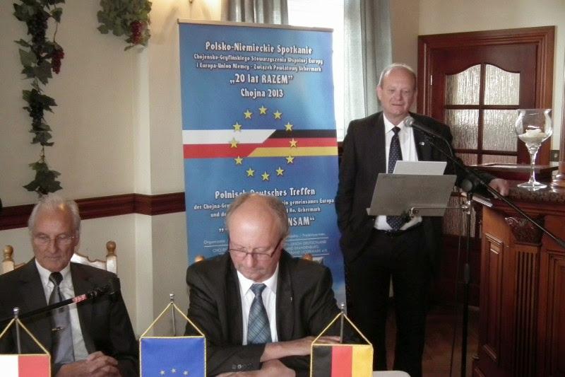Grußwort von H. Ziehlke (Vorsitzender LV Brandenburg, re), H.-J. Ziele (mi), G. Lemke (li) (Bild: Veranstalter)