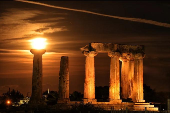 Στην μαγεία της αυγουστιάτικης πανσελήνου: Ανοίγουν οι πύλες σε αρχαιολογικούς χώρους και μουσεία..