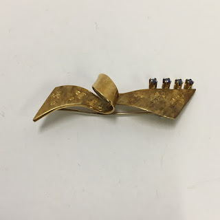 18 K Gold Brooch