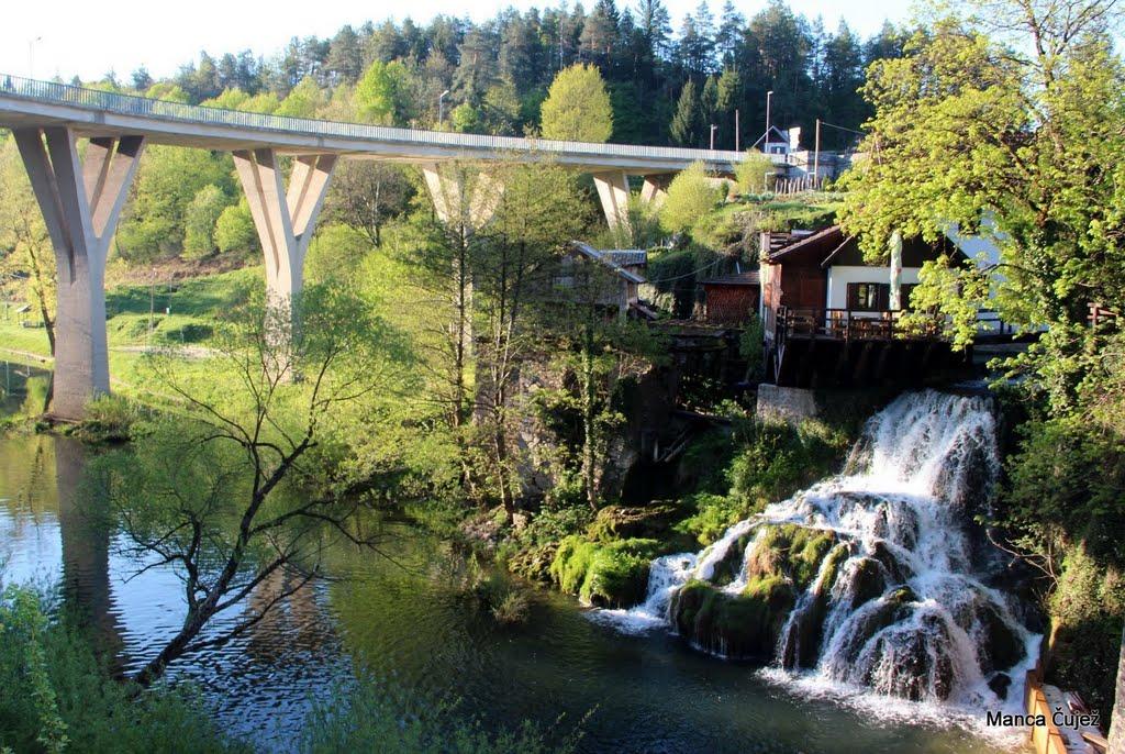 Rastoke so vasica, prepredena s številnimi slapovi med Slunjem in Plitvicami