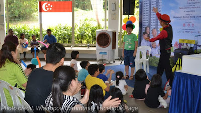 Singapore Juggler Entertains At Party