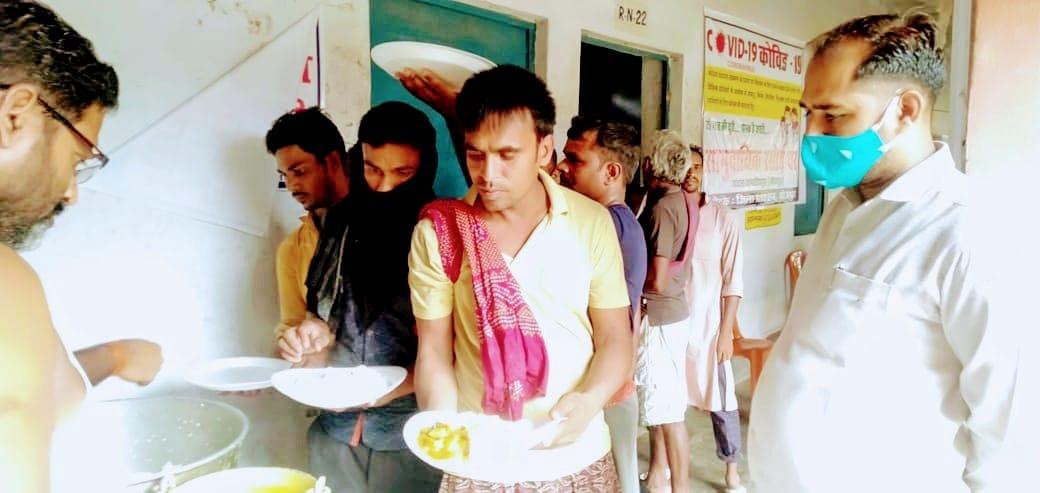 जदयू नेताओं ने संचालित सामुदायिक किचन का जाना हाल, कहा- किचन में मिल रहा भोजन पूरी तरह स्वादिष्ट