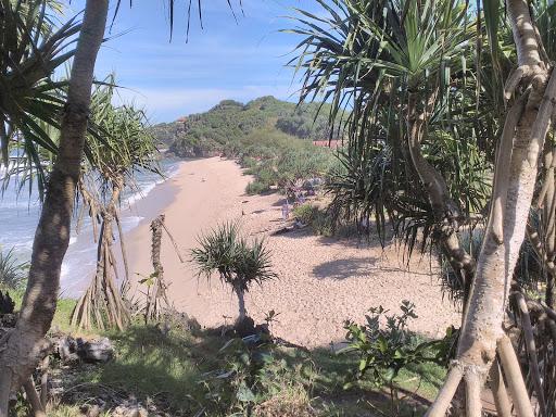Pantai yang teduh