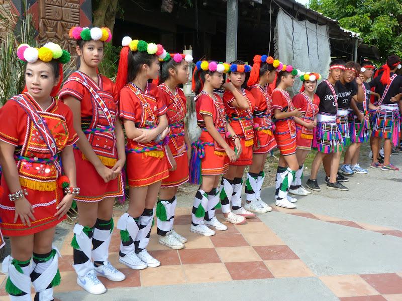 Hualien County. Liku lake. Danses Amis J 2 - liyu%2B2%2B395.JPG
