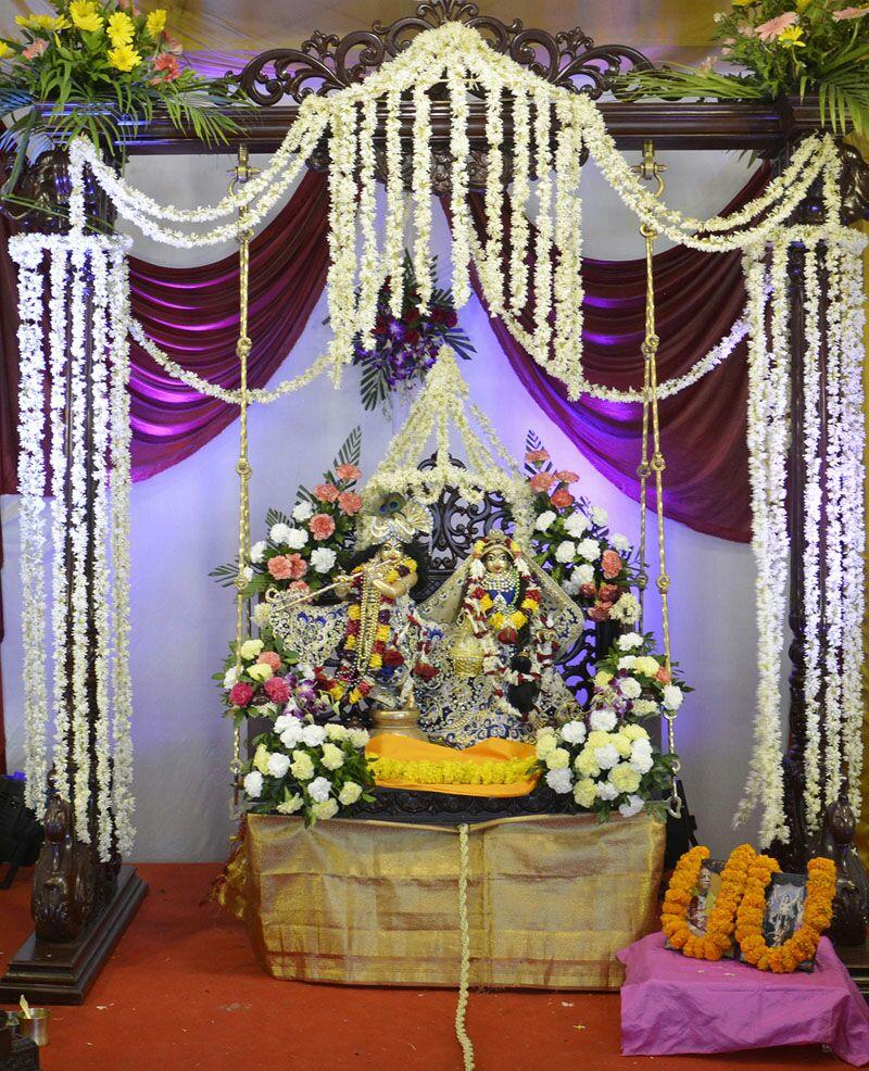 ISKCON Ahmedabad Sringar Deity Darshan 16 August 2016 (12)