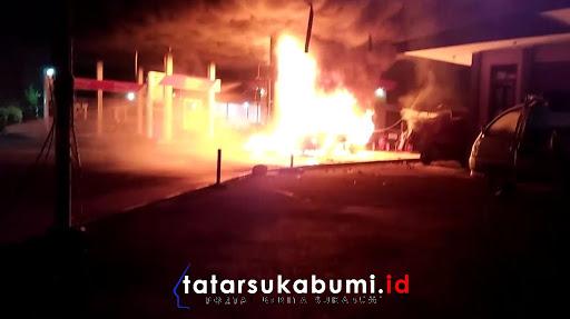 SPBU di Sukabumi Terbakar // Foto : Isep Panji
