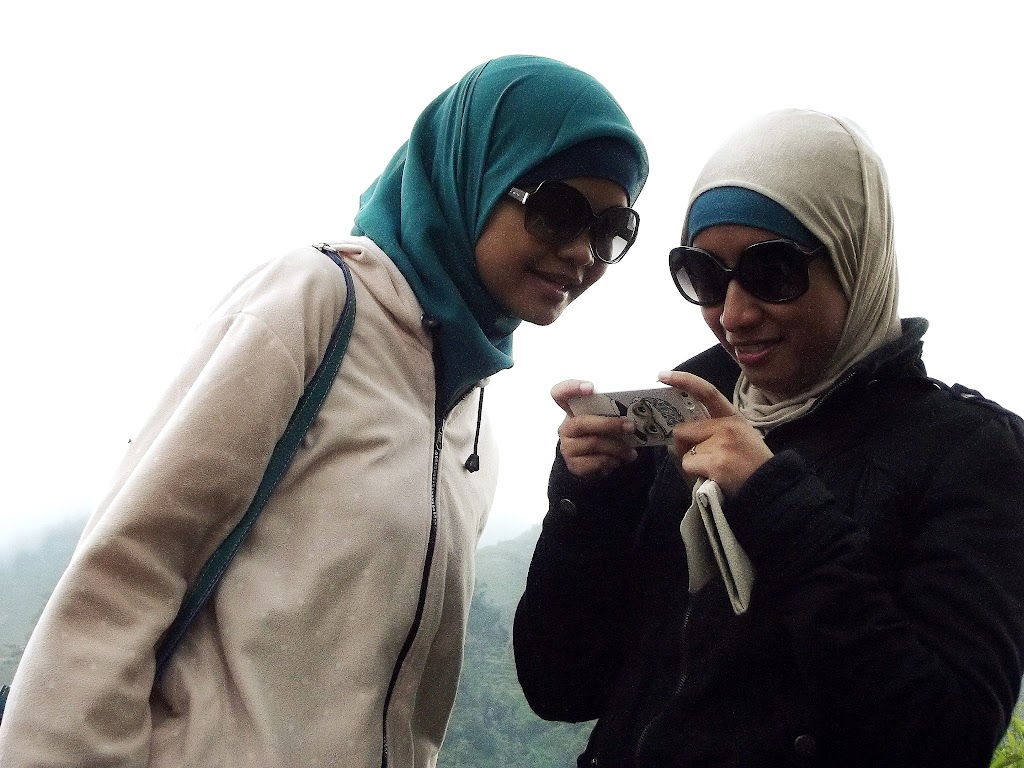 bass-ahmed-at-dieng-plateau-center-of-java-indonesia-2013-05-09-12-047