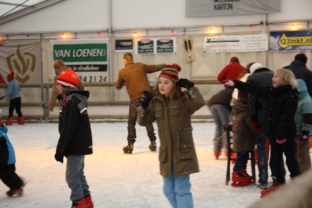 Sinterklaas bij de schaatsbaan - IMG_0404.JPG