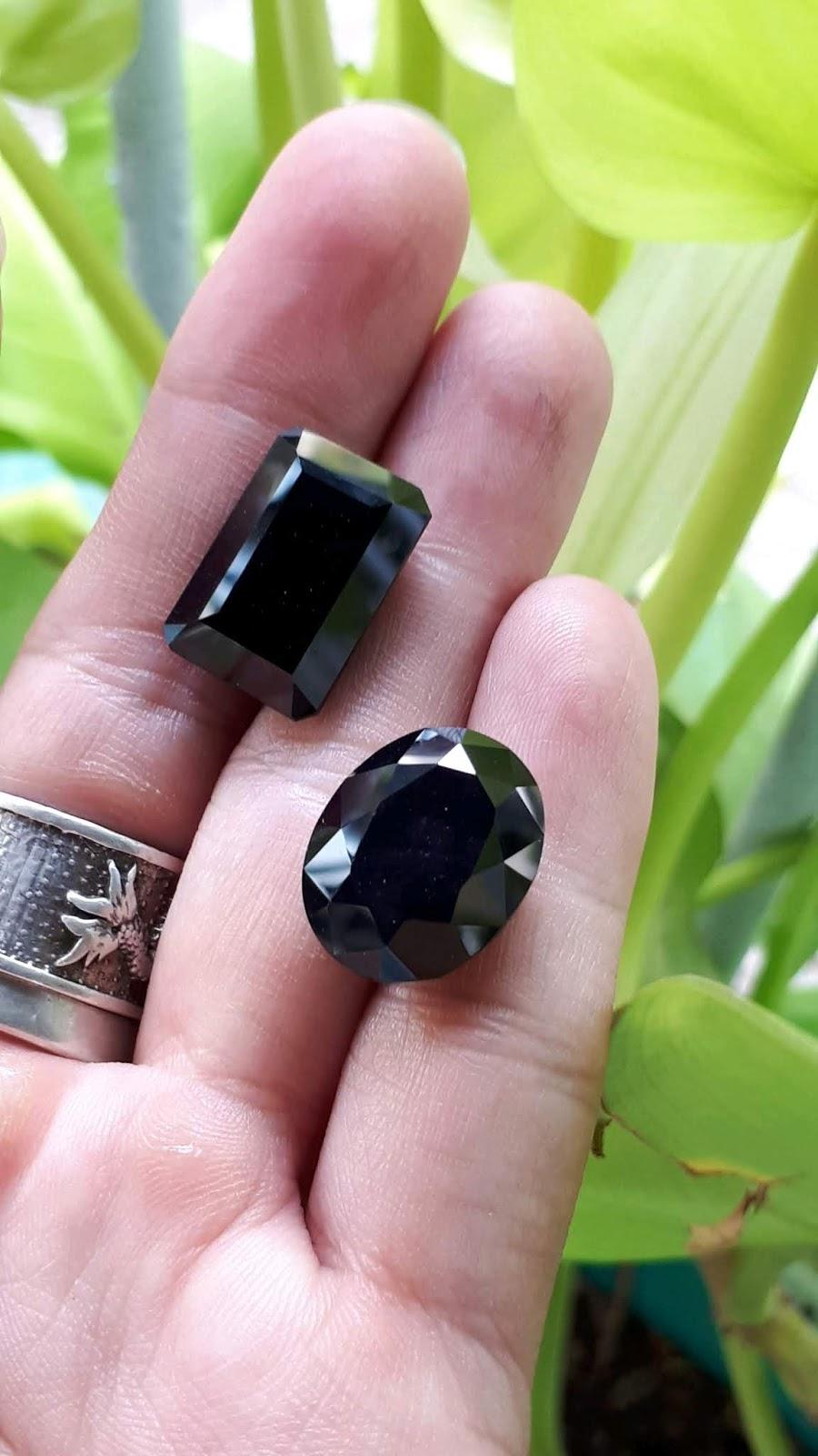 Natural Sapphire xanh đen