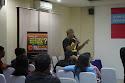 Pembicara kedua, Wayan Kertayasa, owner Bali Cycling Operator (BCO) pebisnis online memberikan materi kepada peserta seminar DONGKRAK #2.
