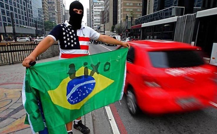 Por que o brasileiro odeia tanto o Brasil