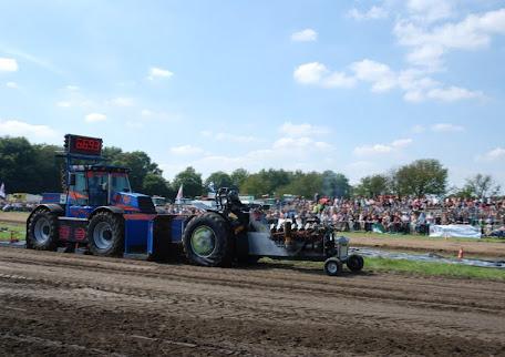 Zondag 22--07-2012 (Tractorpulling) (78).JPG