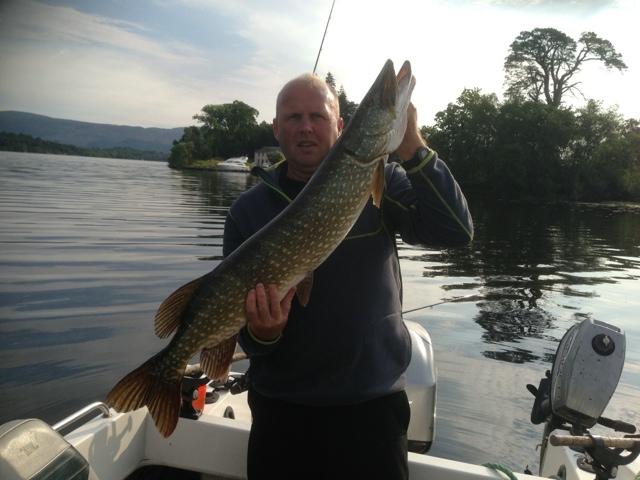 Scottish fishing guide 20lb pike pike fishing loch lomond for Loch lomond fishing
