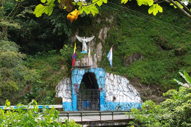 Santuario Virgen de Chirajara de Guayabetal, 1050 m (Cundinamarca, Colombie), 10 novembre 2015. Photo : J.-M. Gayman