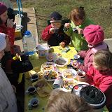 Чай и сладкие призы главным работникам на Празднике встречи соловьев