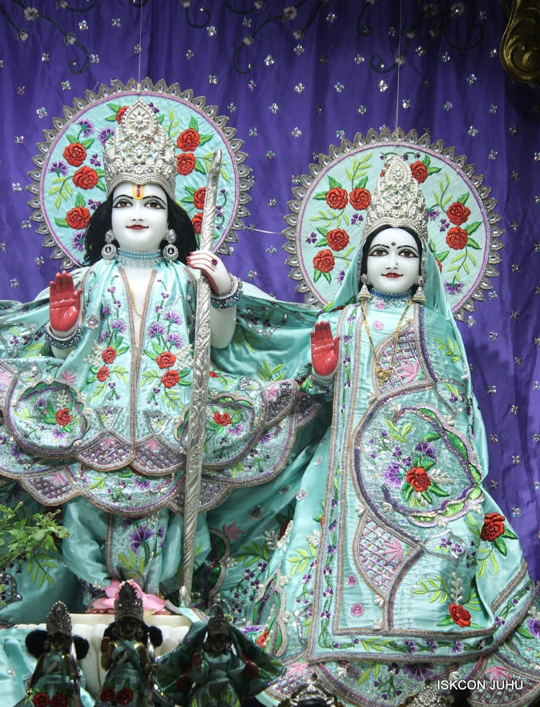 ISKCON Juhu Mangal Deity Darshan on 24th June 2016 (11)