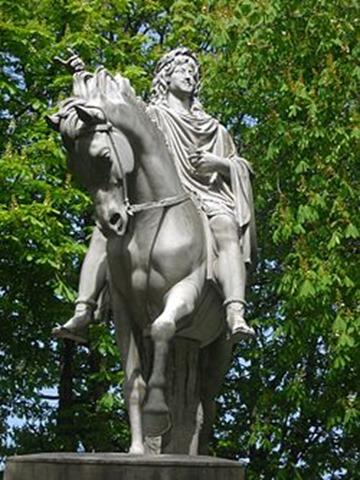 250px-Statue_de_Louis_XIII_à_la_Place_des_Vosges