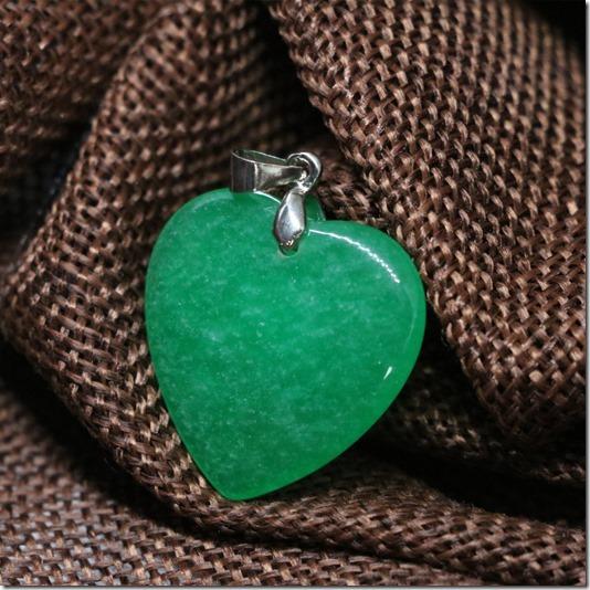 Прекрасной-форме-сердца-падение-кулон-высокое-качество-зеленый-нефрит-халцедон-натуральный-камень-женская-мода-довольно-подарок