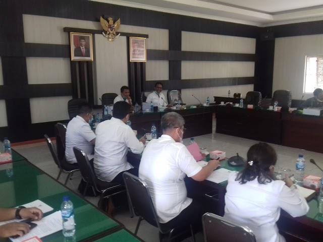 Pembahasan 13 Raperda Bupati Simalungun, dan 1 Raperda DPRD Simalungun  menyangkut CSR Sekda Dan Para Kadis Tidak Hadir.