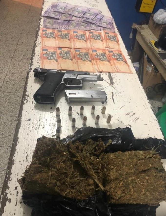 En Santiago, Policía Nacional apresó a tres , a quienes ocupó una libra marihuana y arma de fuego sin documentos y 3,050 pesos.
