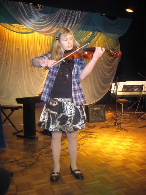 20.veebruaril Ahtme Klubis toimus traditsiooniline Eesti Iseseisvuspäevale pühendatud õpilaste ko - 4.jpg