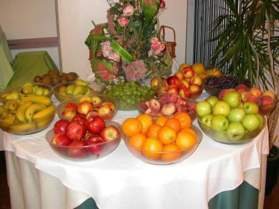 M s y m s manualidades 10 buenas ideas para buffets de for Frutas de cristal