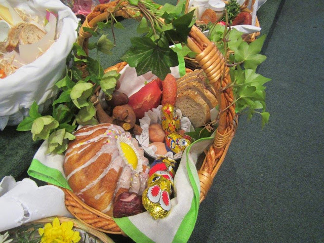 Blessing of the food 4.19.14 - 004.jpg