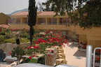 Фото 3 Elegan Garden Hotel