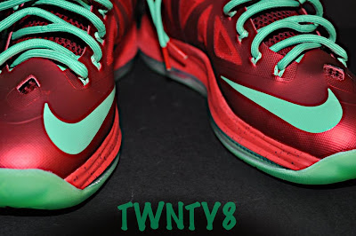 nike lebron 10 gr christmas ruby 3 09 Detailed Look at the Nike LeBron X Christmas / Ruby Edition