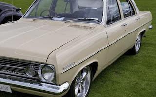 Holden HR Rent Southland