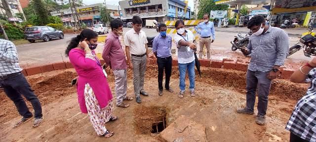 Open well found in Mangaluru - ಗೋವಿಂದ ಪೈ ವೃತ್ತದಡಿಯಲ್ಲಿ ಬಾವಿ: ಮಂಗಳೂರು ಹೃದಯಭಾಗದಲ್ಲೊಂದು ಅಚ್ಚರಿ!