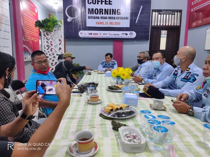 Luar Biasa Kalapas Kotabaru Ini Ajak Jurnalis Coffee Morning