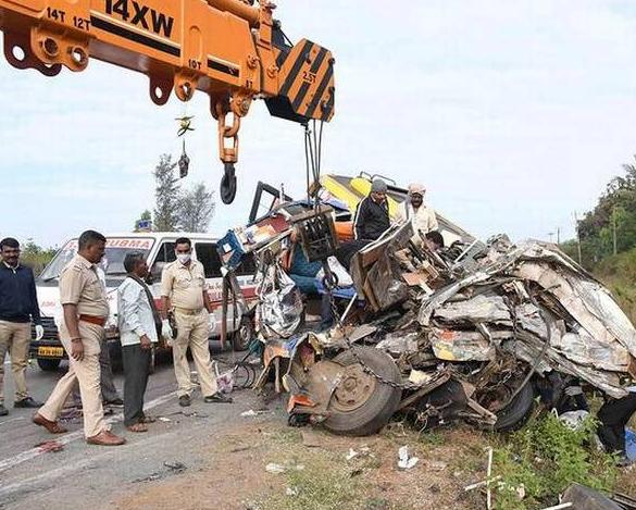 Mini Bus accident in India