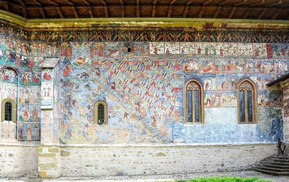 sucevita-monastery-3