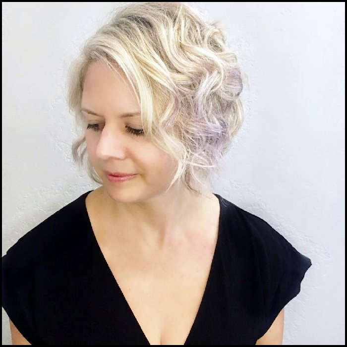 +10 Latest Short Hairstyle For Women Over 40 - 50 2