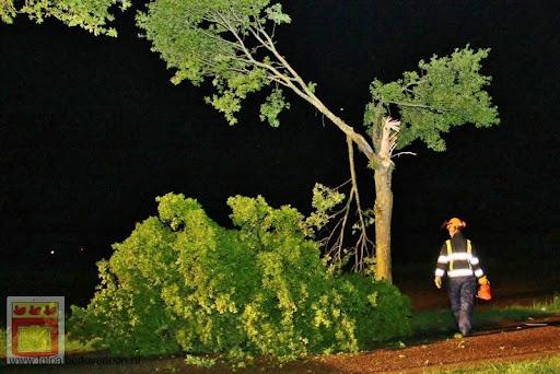 Noodweer zorgt voor ravage in Overloon 10-05-2012 (39).JPG