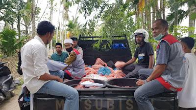 Sambut Hari Kemenangan, KSDA Bagi Ratusan Daging Meugang dan Sembako untuk Korban Banjir