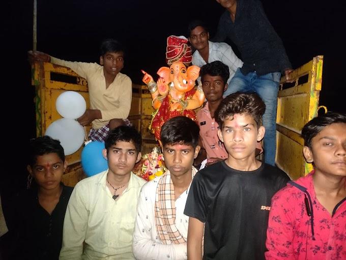 गणपति बप्पा को दी नम आखों से दी विदाई, नगरवासी गाजे-बाजे के साथ गणेश प्रतिमाएं लेकर तालाब पर पहुंचे