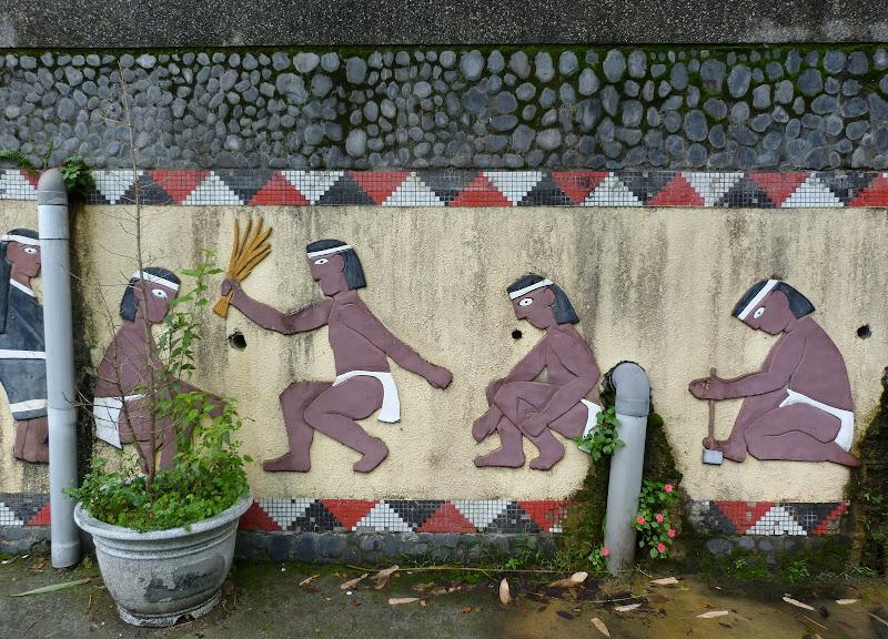 Puli  en passant , entre autres, par les villages de l ethnie Bunum de Loloko et Dili. J 10 - P1170191.JPG