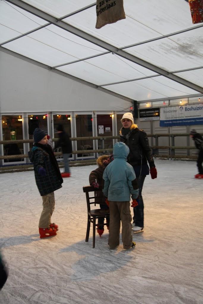 Sinterklaas bij de schaatsbaan - IMG_0337.JPG