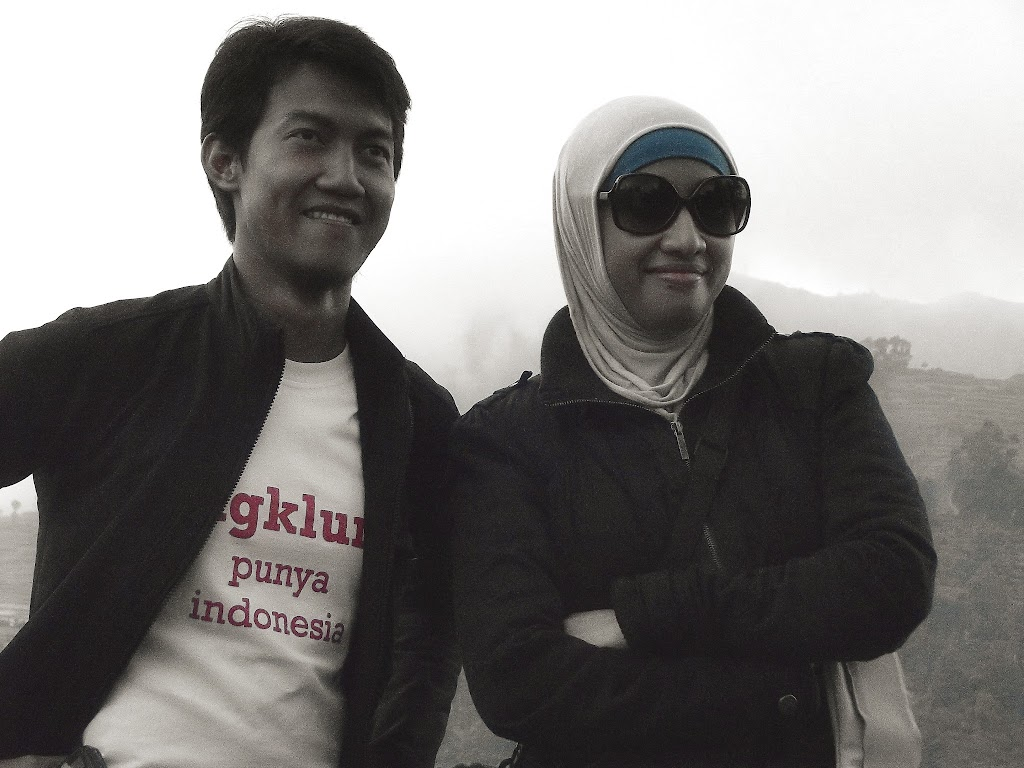 bass-ahmed-at-dieng-plateau-center-of-java-indonesia-2013-05-09-12-048