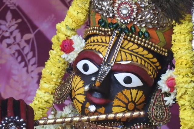 Radha Govinda Devji Deity Darshan 23 April 2016 (10)